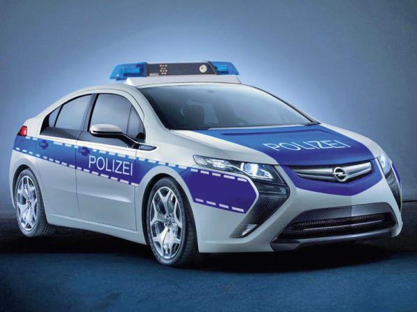 Opel планирует продать электрический Ampera полиции