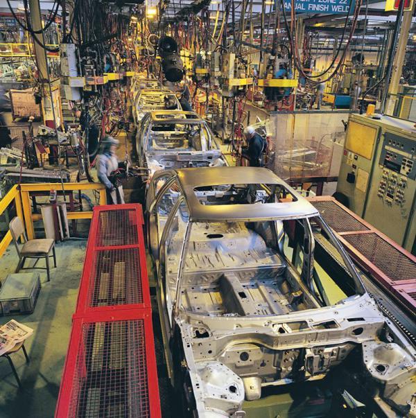 Производство легковых автомобилей в России увеличилось в 2,5 раза