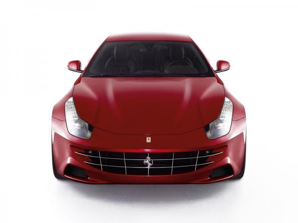 Ferrari FF: практичное спорткупе