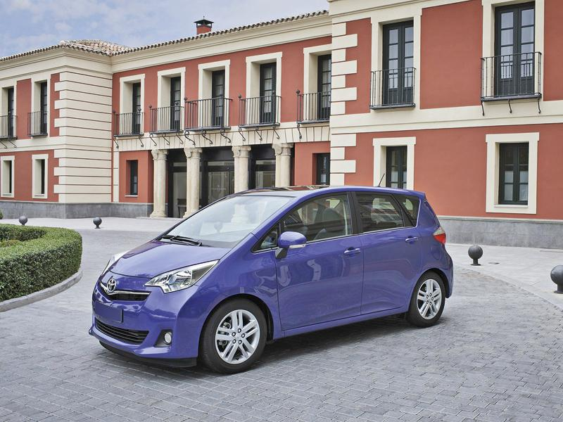 Toyota Verso-S: возвращение компактного мини-вэна