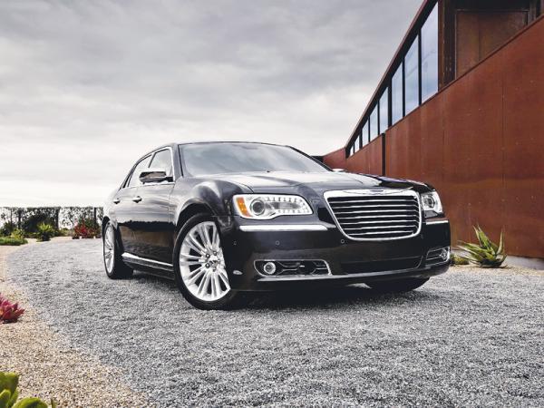 Chrysler 300: современная классика по-американски
