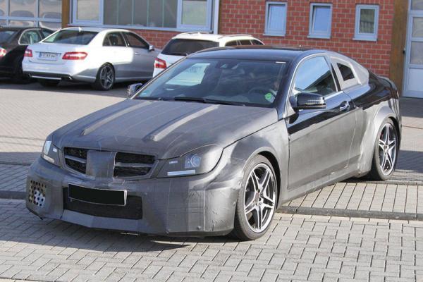 Mercedes-Benz готовит C63 AMG Black Series