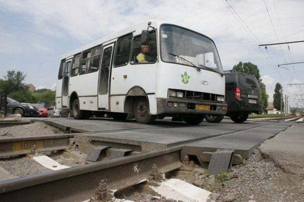 Усиливается контроль за оборудованием железнодорожных переездов