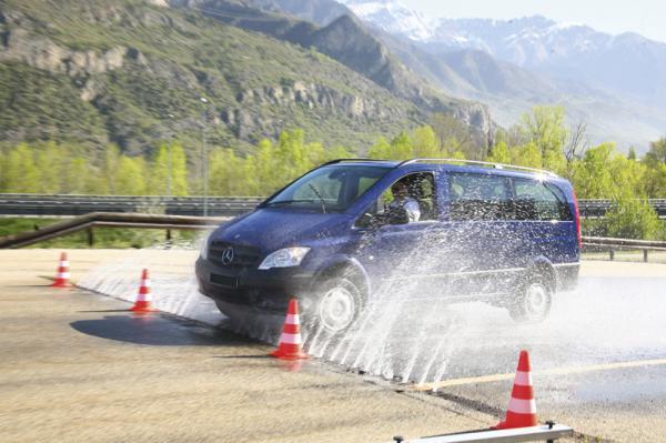 Mercedes-Benz протестировал новое поколение автомобилей Vito 4х4