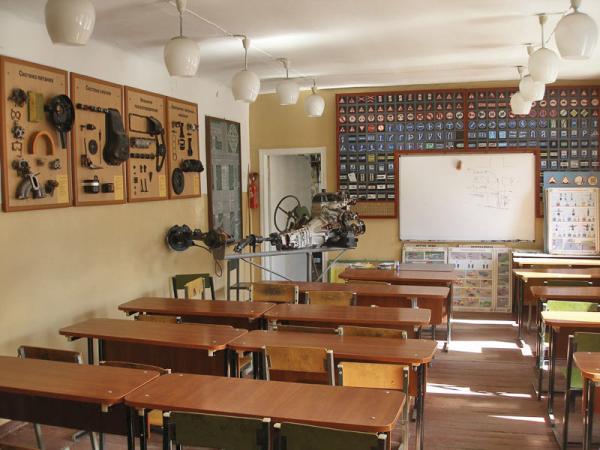 В России предлагает в школе сдавать экзамен на знание ПДД