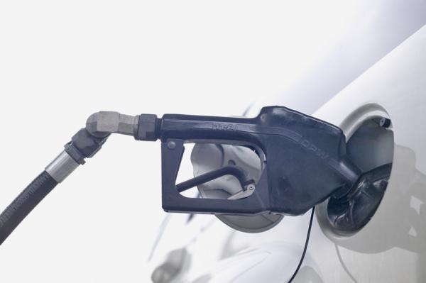 В Украине сократились продажи бензина