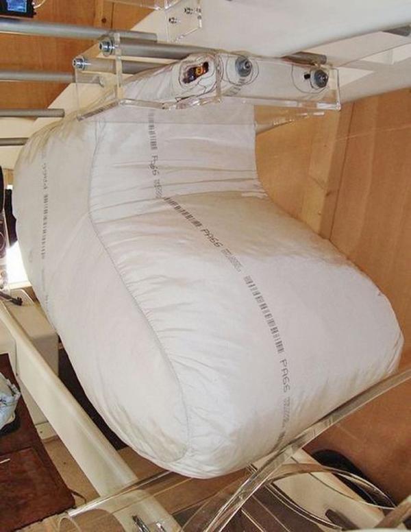 Подушки безопасности, встроенные в крыше