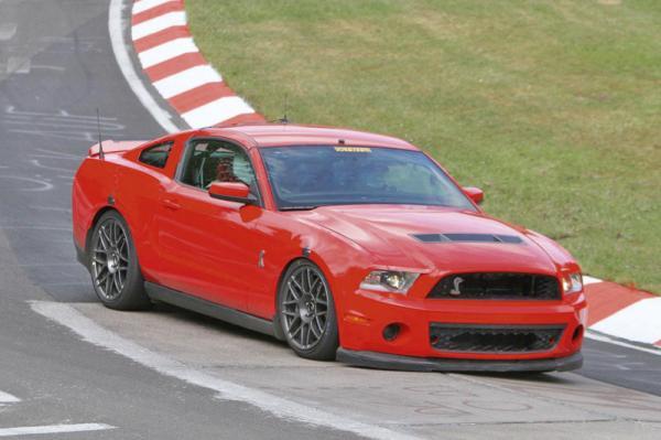 Ford Mustang Shelby GT500 проходит испытания на автодроме Нюрбургринг