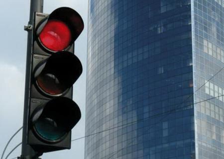 Светофор – остановиться и поехать. Часть 1