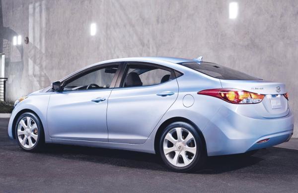 Hyundai объявил цены на новую Elantra