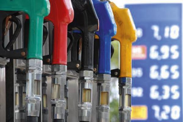 Бензин будет дешеветь или дорожать?..