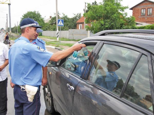 ГАИ Харьковской области оказывает помощь водителям