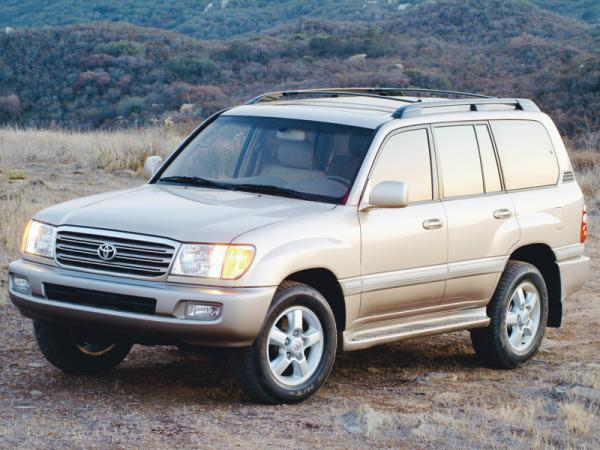 Toyota Land Cruiser 100 (1998-2007): вседорожник старой закалки