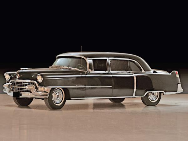 С молотка пойдет лимузин самого Элвиса Пресли