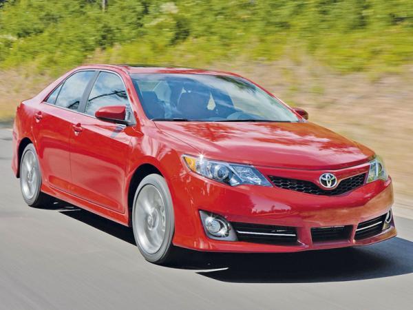 Toyota Camry: консервативный подход