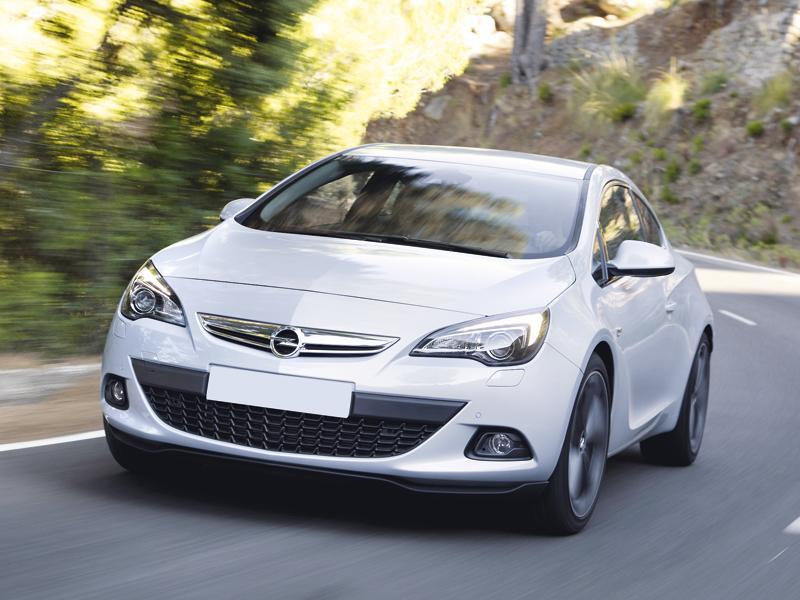 Opel Astra GTC: спортивность – не помеха практичности