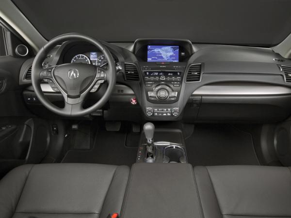 Фото салона Acura RDX 2012.