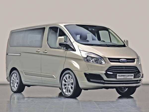 Ford Tourneo: стильный минивэн