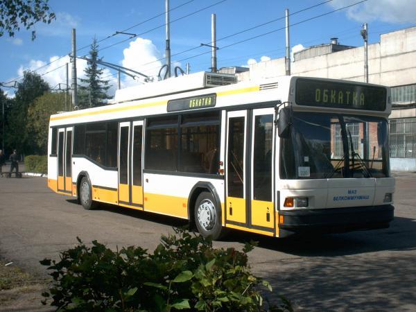 Кабмин выдал постановление о строительстве троллейбусной линии Киев - Бровары
