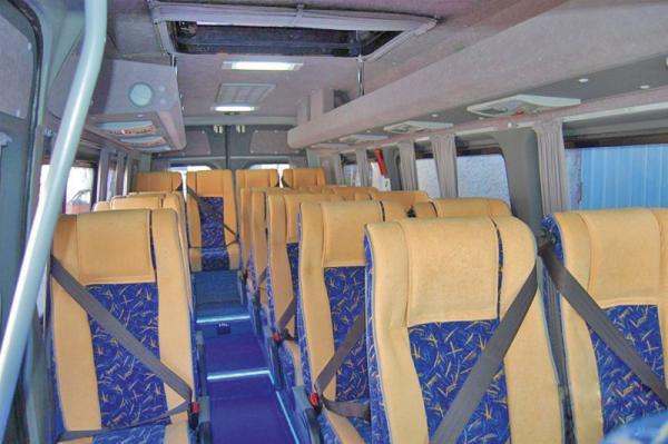 Пассажиров маршруток пристегнут к сиденьям