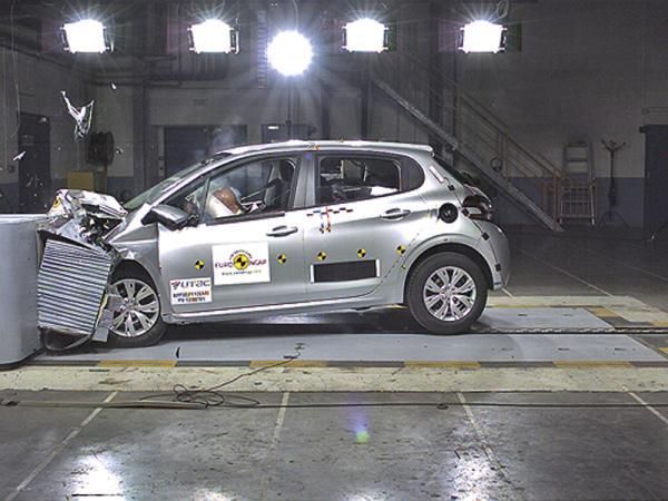 Краш-тест: Peugeot 208