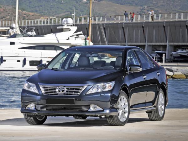 Chevrolet Malibu, Renault Latitude, Toyota Camry: большие седаны по разумной цене