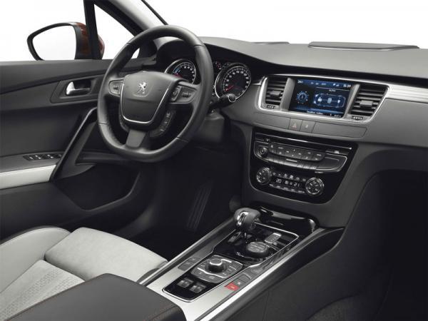 Peugeot 508 RXH: практичный и экономичный