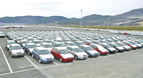 Минэкономразвития предлагает снизить ставки на ввоз автомобилей