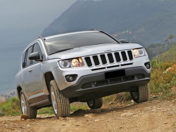 Jeep Compass, Opel Antara и Toyota RAV4: соревнование компактных вседорожников