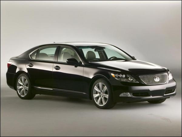 Lexus начал продажи седана LS 600h в России