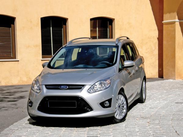 Ford Grand C-Max, Toyota Verso, Volkswagen Touran: на первом месте – вместительность