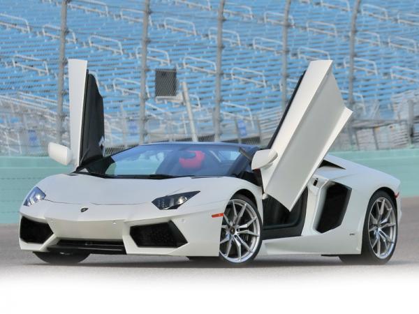 "Lamborghini Aventador LP700-4 Roadster: ""если крышу снесло…"""