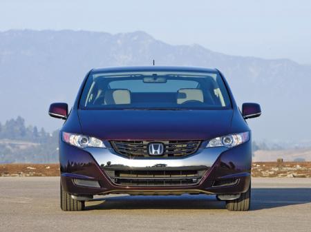 Honda FCX Clarity: первенец
