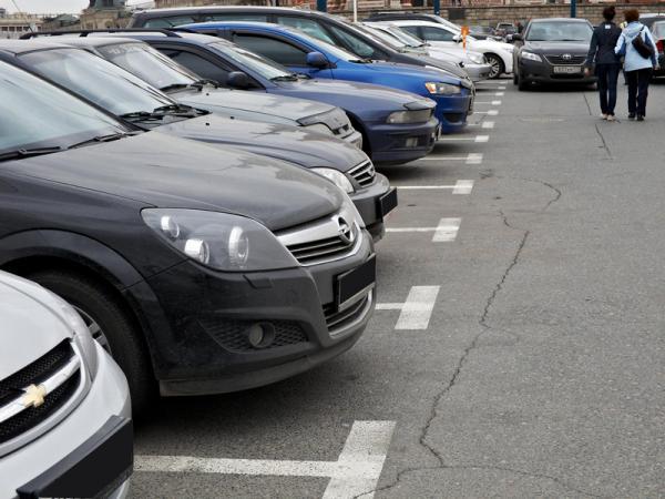 Кабмин запретил офисам обустраивать парковки