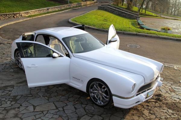 Житель Киева построил роскошное купе ГАЗ 20 SL