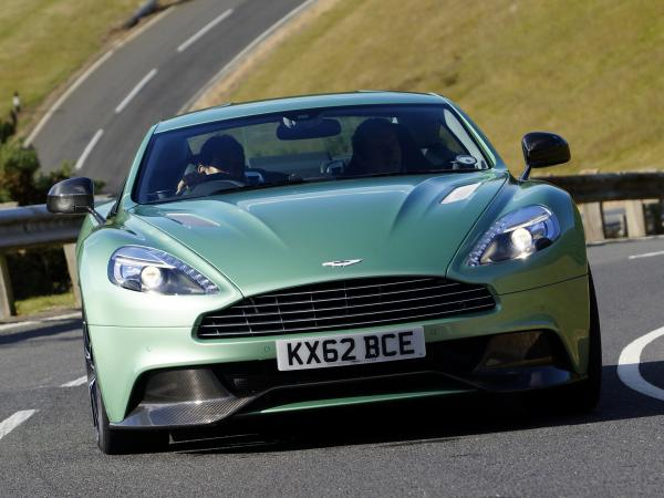 В Mercedes-Benz планируют выкупить Aston Martin