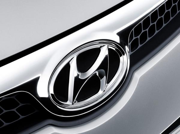 В Hyundai представили седан AG и спецверсию Veloster
