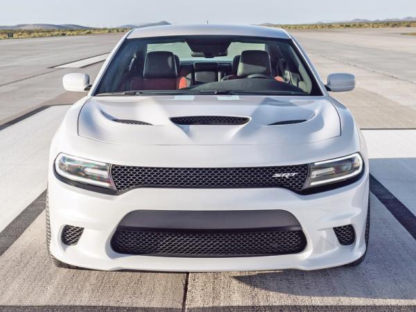 Dodge Charger Hellcat: самый мощный