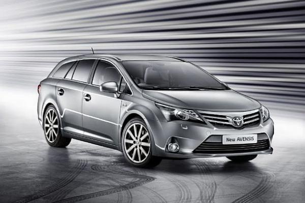 Toyota представит Avensis нового поколения