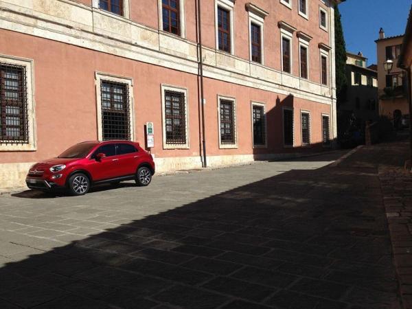 Fiat 500X представят в Париже