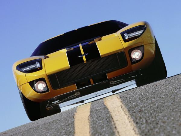 Американцы хотят выпустить новую версию легендарного спорткара Ford GT