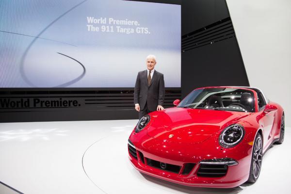 Премьера гоночного Porsche 919 Hybrid 2015