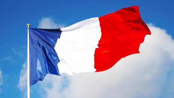 Во Франции появились знаки с призывом «давить на педаль газа»