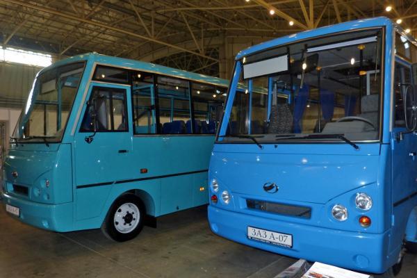 ЗАЗ начал выпуск автобусов на Мелитопольском моторном заводе