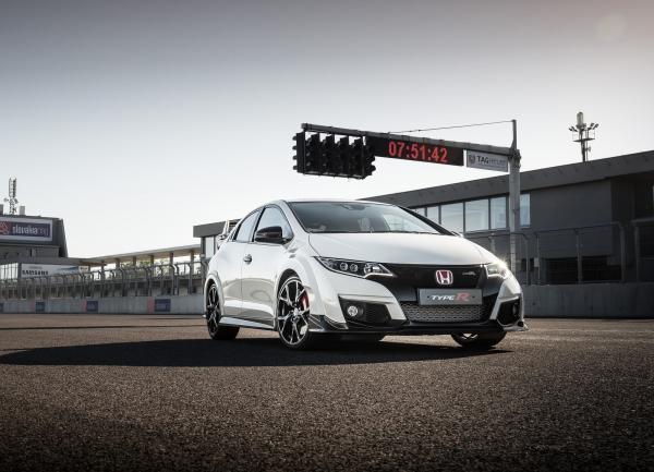 Honda Civic Type R появится в июле