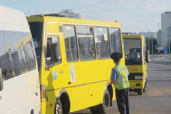 ГАИ проверяет водителей столичного пассажирского транспорта