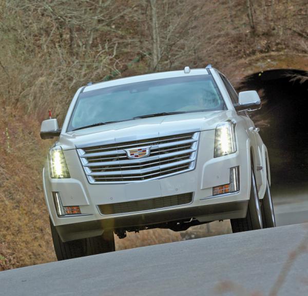 Cadillac Escalade, Infiniti QX80 и Lexus LX570: могучие гиганты
