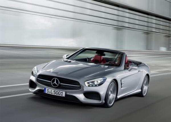 Mercedes-Benz открыл тизеры нескольких новинок