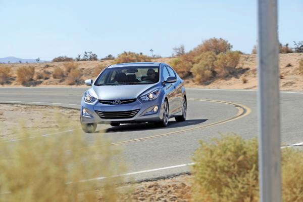Hyundai Elantra, Mazda 3, Toyota Corolla: сравнение седанов С-класса