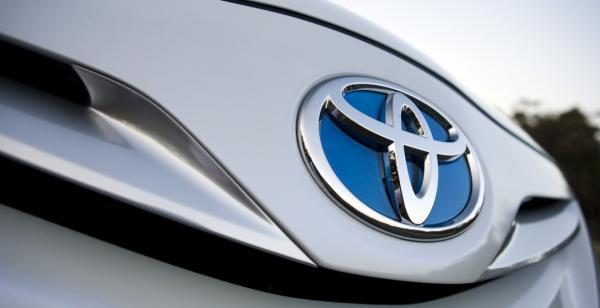 Toyota не будет выпускать автомобили с бензиновыми двигателями